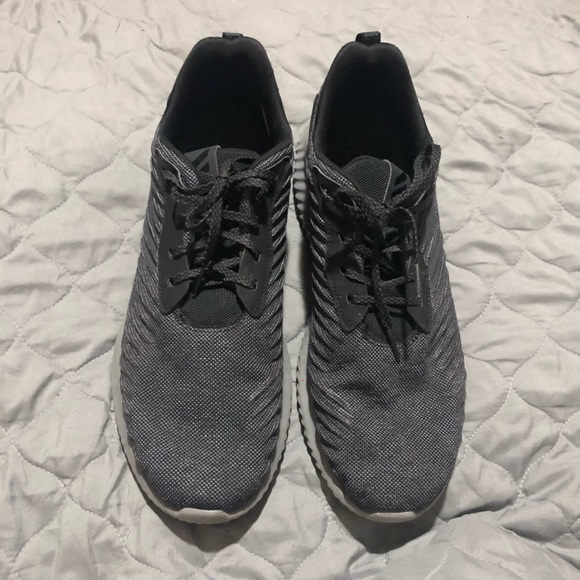 Adidas alphabounce athletic running shoe